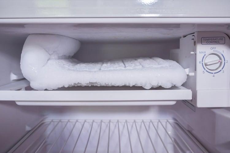 機能|自動霜取りや脱臭などが便利