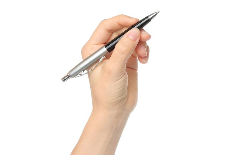 重さ|長時間の使用には手の疲れにくい重さのアイテムが◎