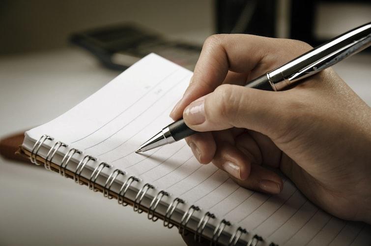 ペン軸の太さ|長時間の筆記には「太軸」がおすすめ