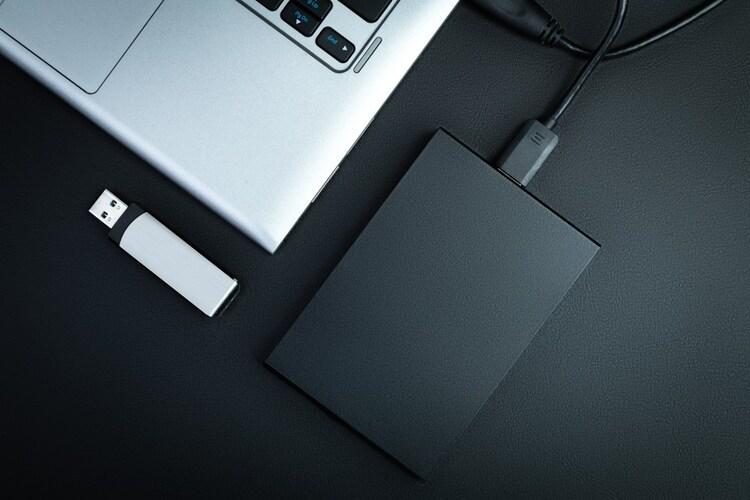 パソコンにはNASやミラーリング機能が便利
