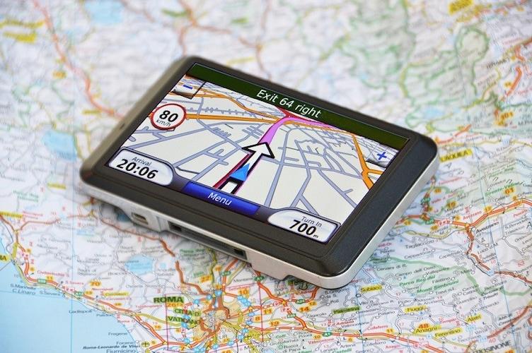 地図更新|頻度や無償・有償、自動であるかをチェック