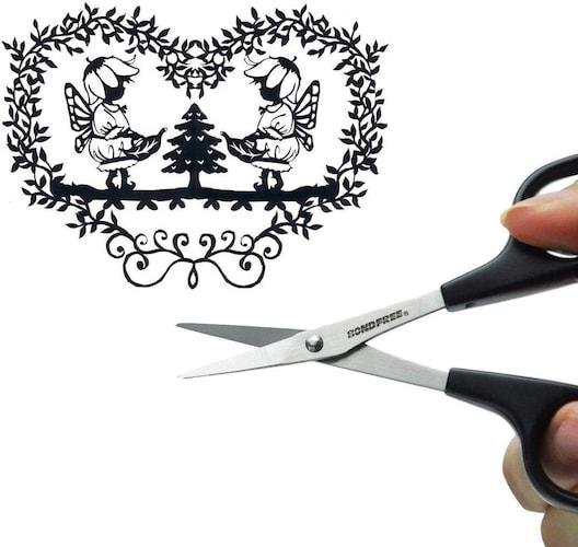 切り絵やクラフトなど細かな作業に最適な「ストレート刃」