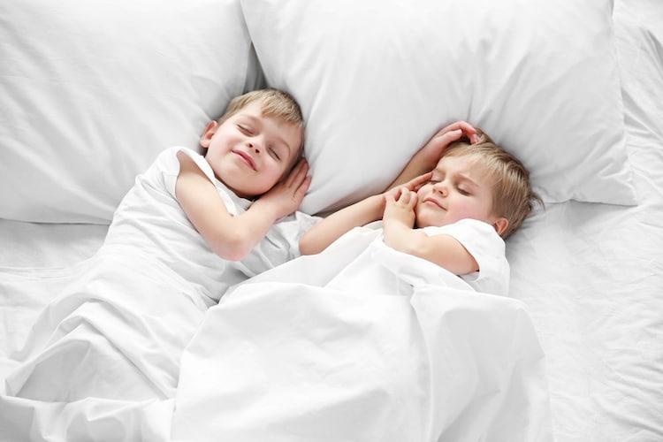 【おねしょシーツのサイズ】シングル、ダブルなどベッドに合わせて