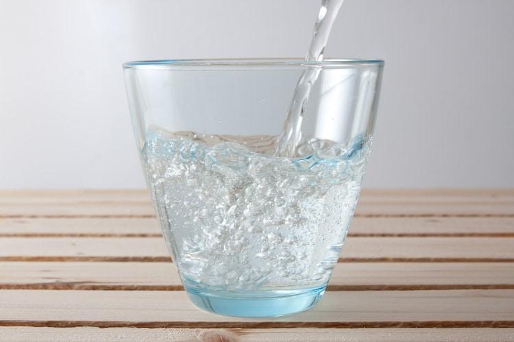 【炭酸水の作り方】自宅で手作りしたいなら専用メーカーも