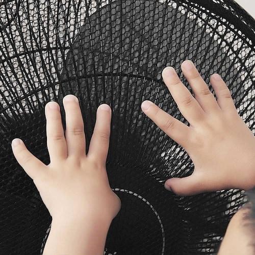網目の大きさ|子どもの指が入らないように目が小さいものがおすすめ
