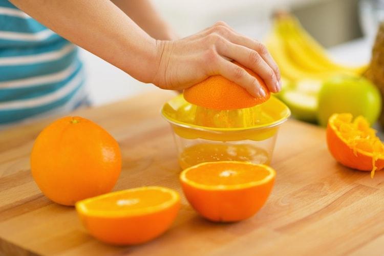 オレンジジュースの手作りにはジューサやミキサーが便利