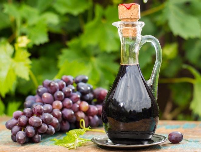 ・ぶどう果汁を凝縮した果実酢
