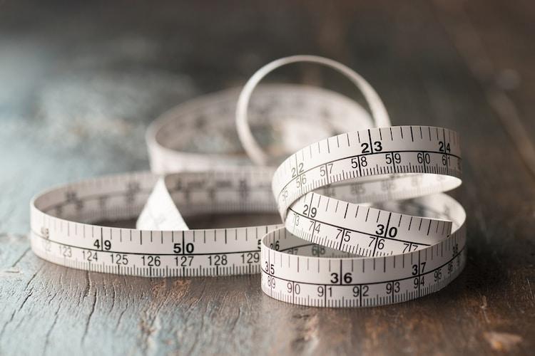 メジャーで測って必要な長さをチェック