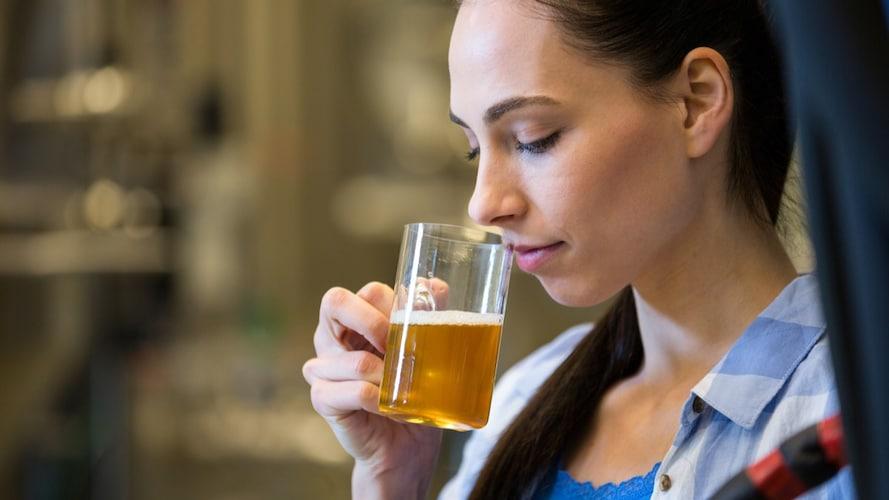 ▼自然発酵:独特な香りに酸味が加わった「ランビック」
