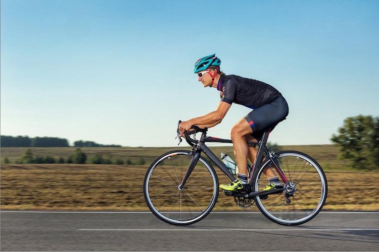 ロードバイク用ヘルメットの正しい被り方
