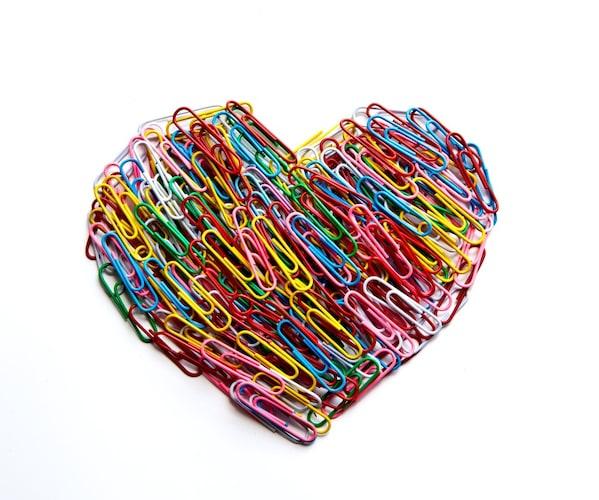 素材|「金属」「プラスチック」「紙」の3タイプが主流