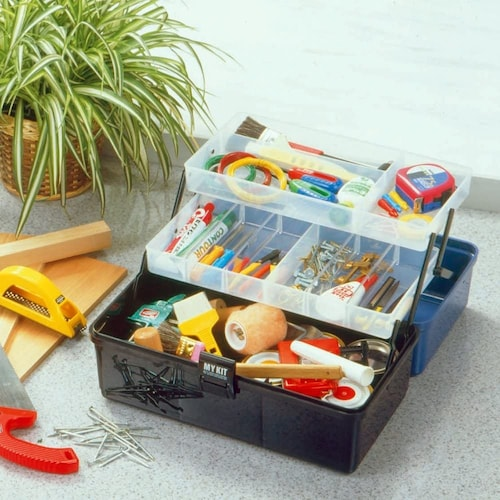 タイプ|持ち運び◎のボックス型とバッグ型、ガレージ作業にはキャビネット型
