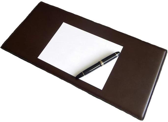 素材 ボールペンなら柔らかいPVC製、鉛筆なら硬めのアクリル製
