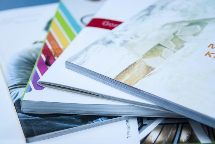 サイズ|収納したいカタログやパンフレットの大きさと量に合わせて選ぶ