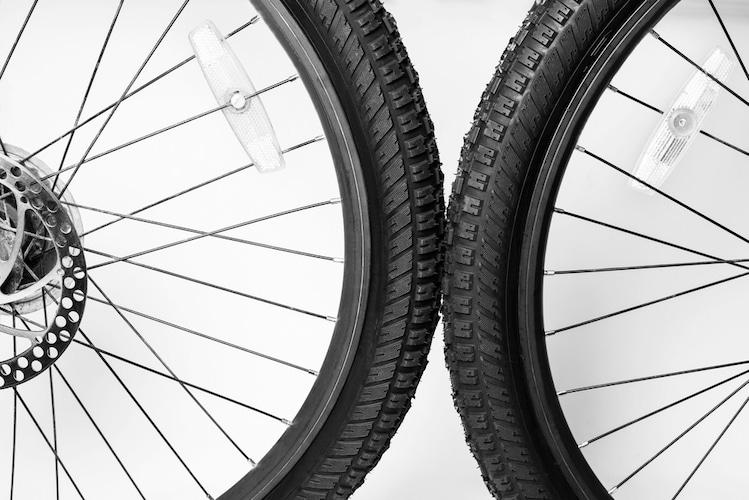 タイヤサイズ|ホイール外径と幅の見方がポイント