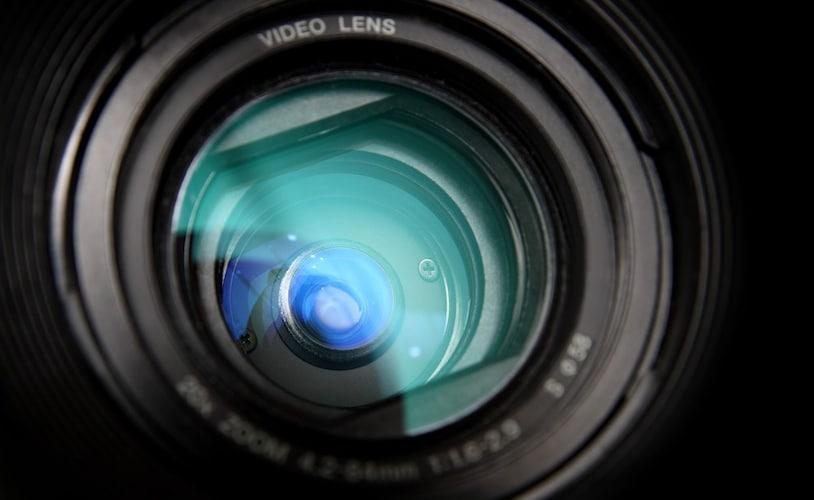 レンズ Web会議なら広角レンズが便利