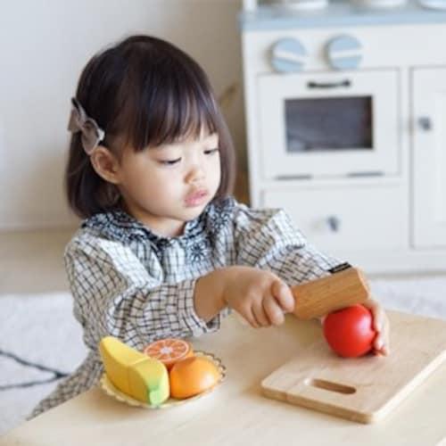 対象年齢 1歳は「つかむ」2歳は「まねする」3歳は「本格的に」がポイント