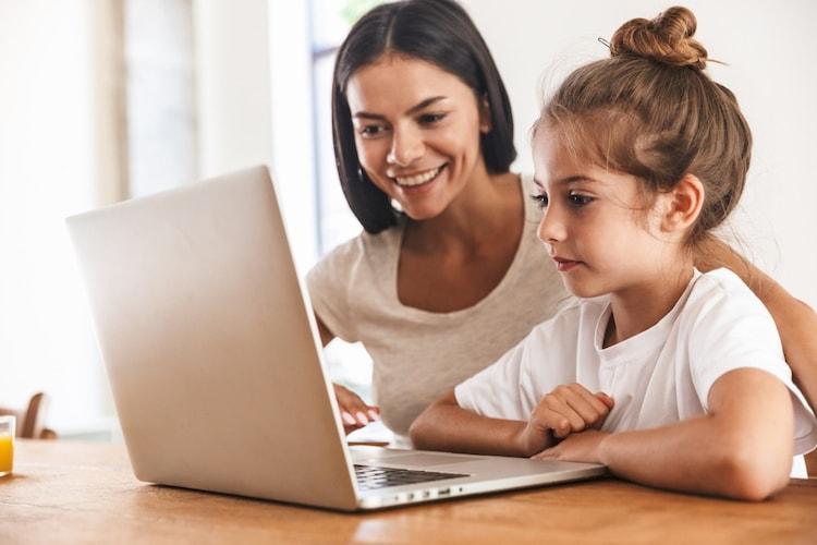 子供にパソコンを使わせるのはいつから?2つのメリット!