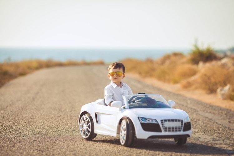 乗用玩具・コンビカーとは......?