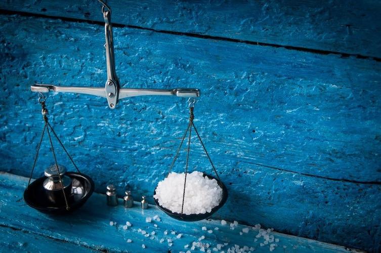 食べ過ぎ|糖分やカロリー、塩分量に注意