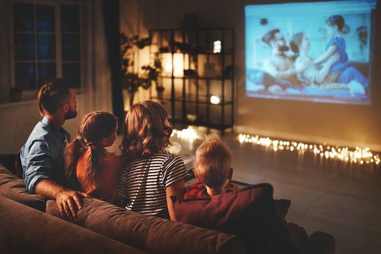 画面比率 テレビ鑑賞は4:3、映画鑑賞なら16:9のワイドタイプが最適