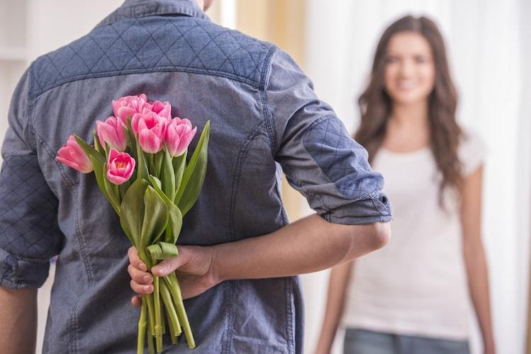 ▼旦那様から奥様|アクセサリーや花束が◎
