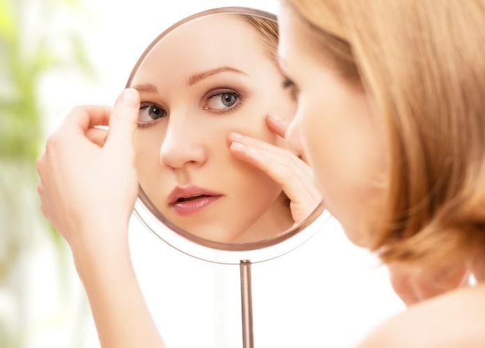 成分|敏感肌なら低刺激のもの、乾燥肌なら美容・保湿液配合がおすすめ