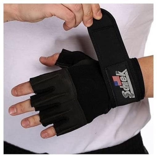 リストラップの有無|手首の痛みが気になる方やケガの予防に◎