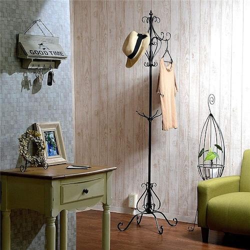 素材|スチール製が主流、お洒落な木製やアイアンも