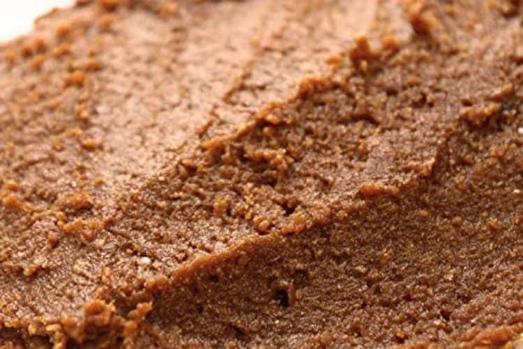 八丁味噌|大豆のみで作られた辛口で濃厚なコクが特徴