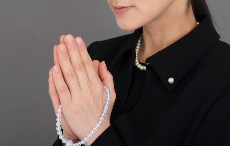 数珠の正しい持ち方・使い方