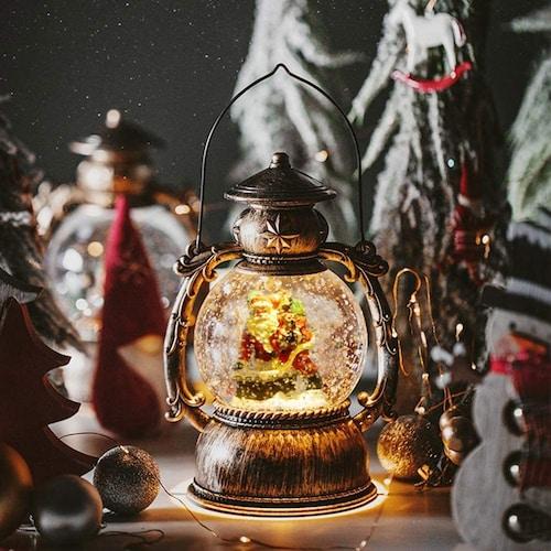 ■光る雪が幻想的な「ライトアップ付き」
