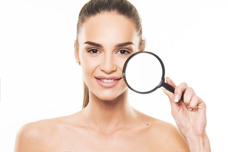 肌質|脂性肌の方は大判サイズのフィルムを、普通肌や混合肌の方は小さめの和紙を
