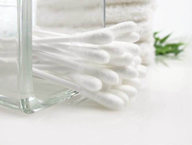 道具|使い捨て可能な綿棒なら、常に清潔に使えておすすめ