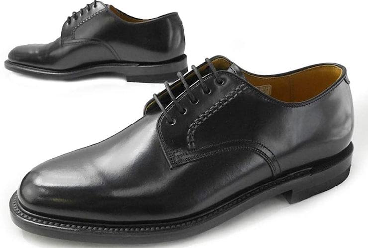 2、服・靴・財布など身に着けるもの