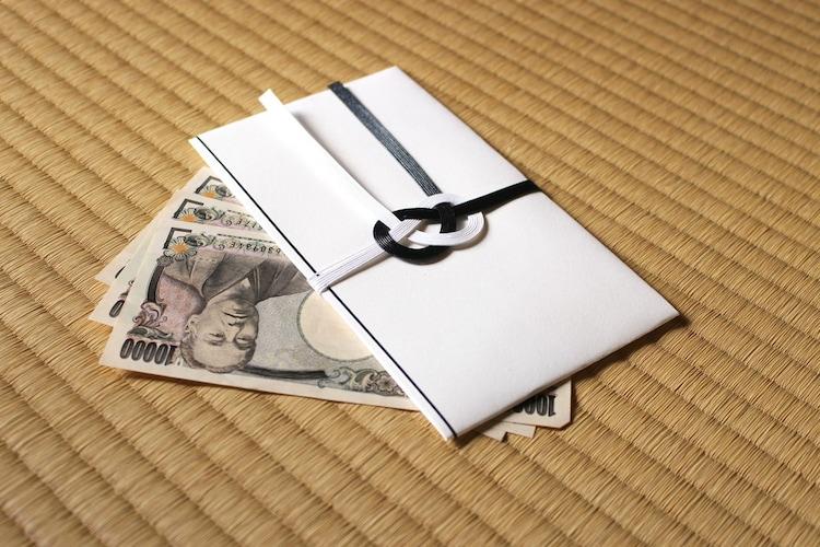 お金の入れ方|新札とボロボロの物は避ける