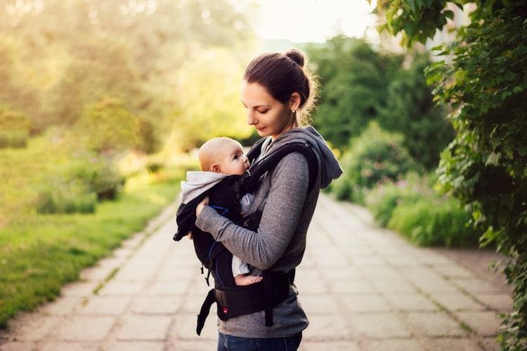 魅力 赤ちゃんの表情をチェックしコミュニケーションの助けに