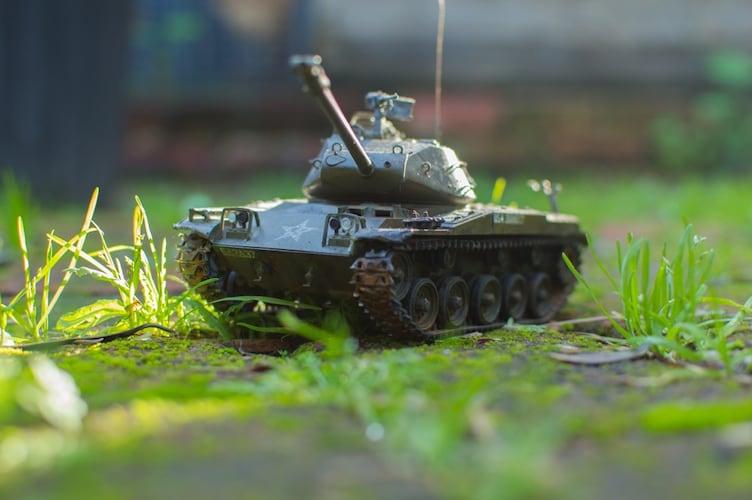 見て、動かして、バトルできる!ラジコン戦車の魅力