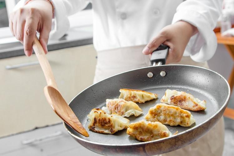 冷凍餃子の美味しい焼き方