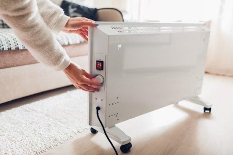 電気ストーブの電気代は高い?消費電力から計算してみよう