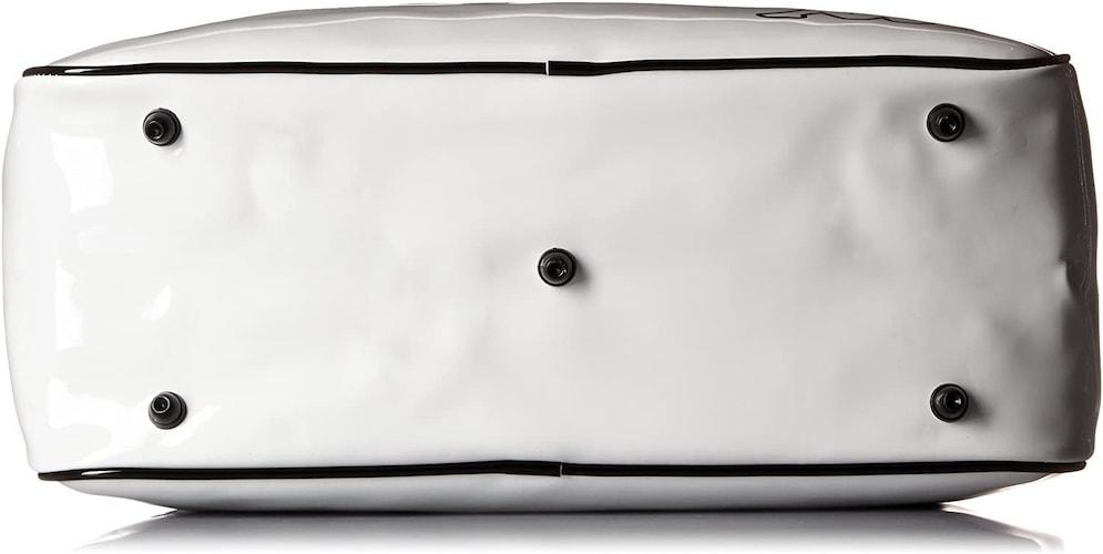 ▼バッグを長く使いたい場合は「底鋲」付きがおすすめ