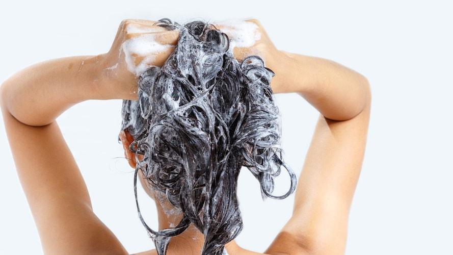 染髪している女性