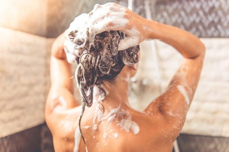 シャンプーの仕方|頭皮の汚れを意識して洗うのがポイント