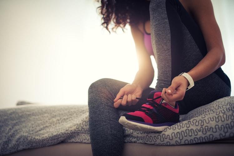 準備|平らな場所に広げるだけのため簡単!トレーニング用の靴も用意を