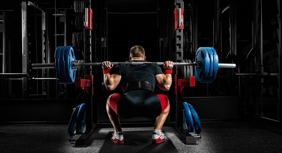 腰痛・怪我の防止|背骨を支えることで腰への負担を軽減