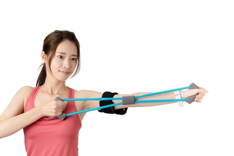 伸縮性|トレーニングメニューに合わせて伸縮する柔軟なものを