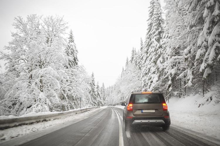・氷上性能はアイスバーンの路面を走ることが多い場合に重要