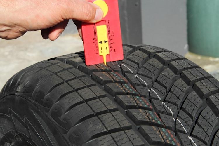 サイズ ノーマルタイヤと同じものが基本!購入前にチェックを