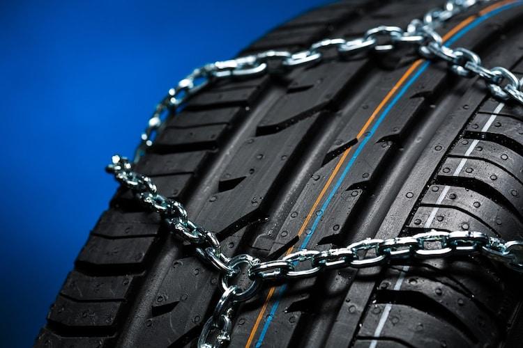 タイヤチェーンの寿命は?処分方法や買取についてもチェック