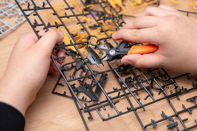 工具や接着剤 組み立てに必要なものは事前チェックを